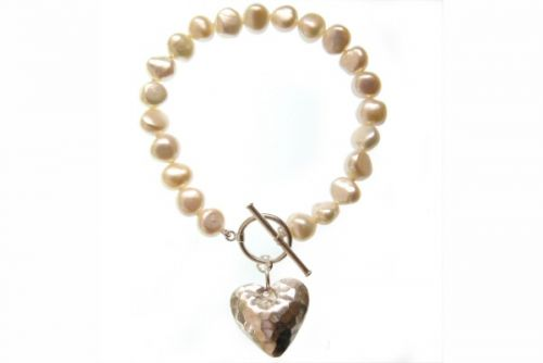 Pearl Bracelet with Hammered Heart